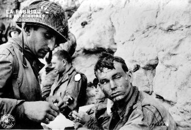 Soldats américains à la Pointe du Hoc