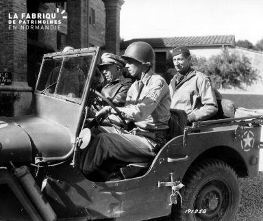 Visite du général Marshall (jeep)