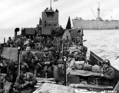 Navires de guerre au large d'Omaha beach