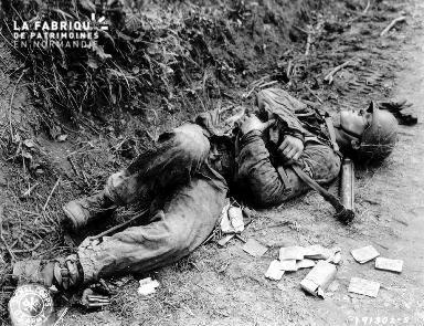 Cadavre d'un soldat allemand