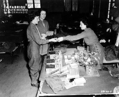Achat de rationnement dans un private exchange par des femmes (WAC : women's army corps)