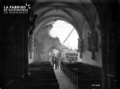 Intérieur de l'église Saint-Martin de Brévands détruite