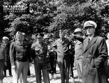 Visite du général Eisenhower à Cricqueville en Bessin le 12 juin 1944