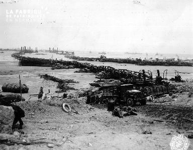 Le port artificiel de Vierville sur mer (secteur Omaha) n'a pas résisté à la tempête des 19-21 juin 1944