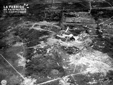 Fortification allemande avec canon à Fermanville