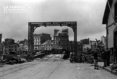 Entrée du pont Bailey à Cherbourg