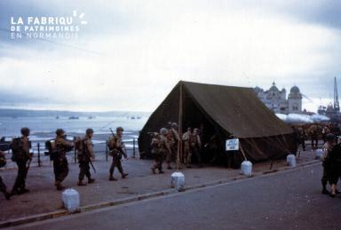 Royaume-Uni : embarquement sur les navires, préparation au Débarquement (début juin 1944)