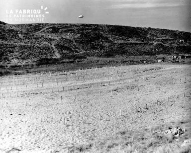 Ballon de barrage à l'horizon pour protéger l'espace aérien (secteur Omaha beach)