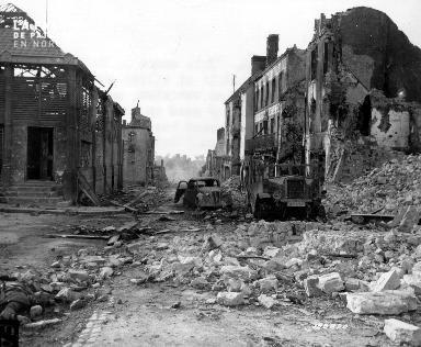 Ruines, décombres et gravats à Montebourg