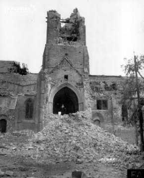 L'église de Montebourg en ruines