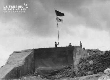 Poste de secours (bunker) sur la plage d'Omaha beach