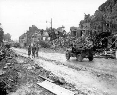Cherbourg en ruines (jeep)