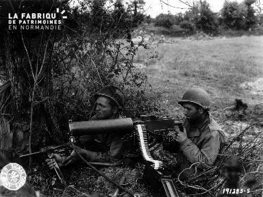 Soldats américains embusqués