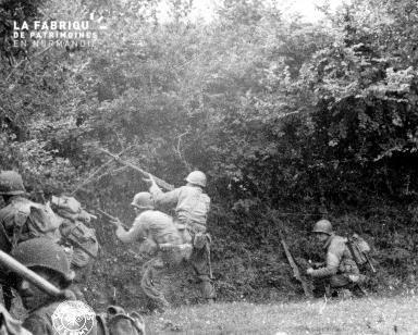 Scène de combat au cœur du bocage à Saint Jores le 5 juillet 1944