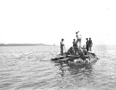 Les baliseurs sur le recif
