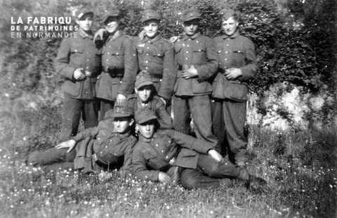 Jeunes soldats de la Wehrmacht sous l'Occupation