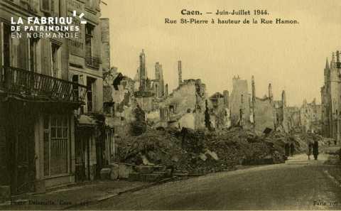 Caen- Juin,Juillet 1944 -Rue St-Pierre à hauteur de la Rue Hamon