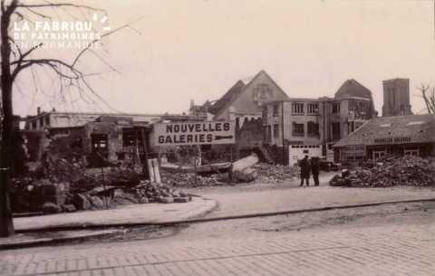 Caen detruit_1944_rue Neuve St Jean_au fond, la Charite