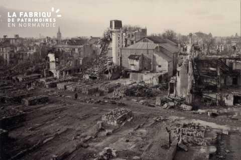 Caen detruit_1944_arriere du cinema Select_20, rue de l'Engannerie_au premier plan, ce qui reste de la rue Guilbert