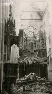 Caen detruit_1944_Eglise St Pierre_les orgues