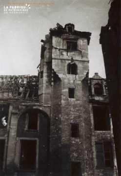 Caen detruit_1944_cour de la Maison des Quatrans_rue de Geole
