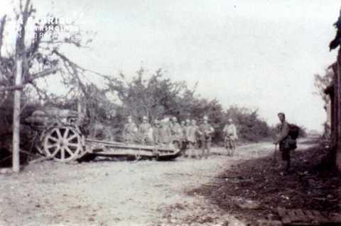 Verdun.  Convoi de prisonniers capturés sous Douaumont