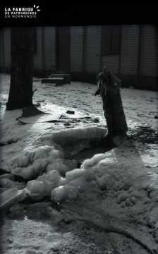 Caserne sous la neige (quartier Guibray)