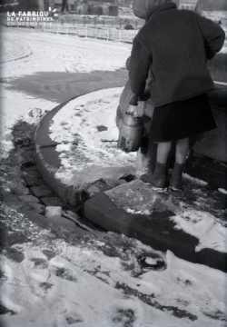 Fontaine sous la neige, Place Guillaume