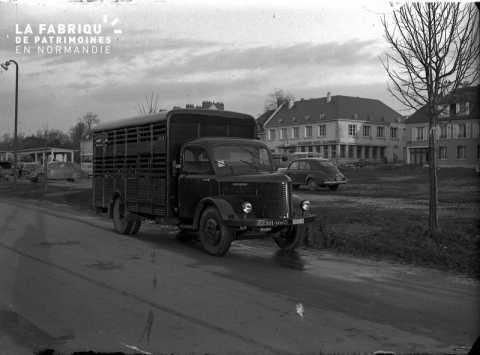 Camion à bestiaux Hotchkiss