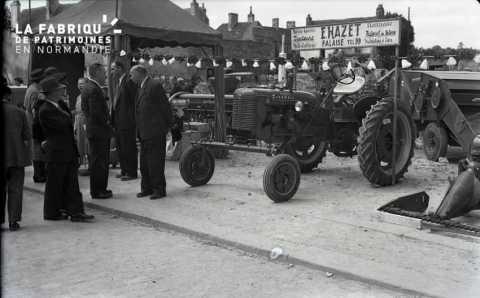 Exposition de tracteurs à Falaise