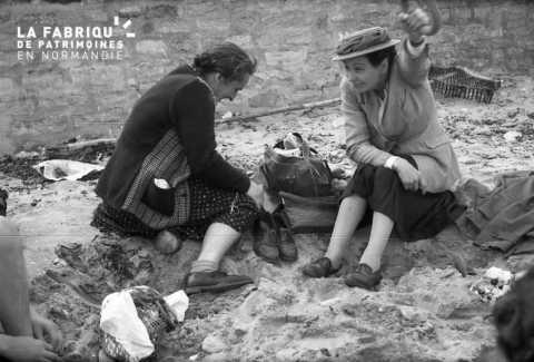 Femmes au bord de mer