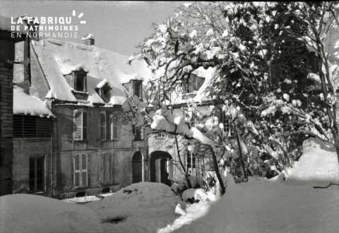 Habitation sous la neige