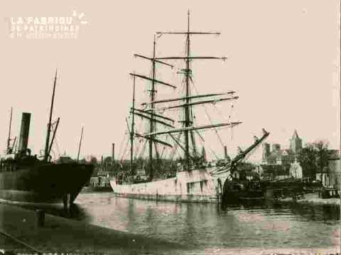 Quai de la Londe, bateau à quai