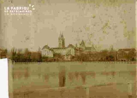 inondation de Caen-stade Hélitas - abbaye aux Hommes