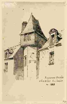 Ancienne tourelle d'escalier r Ecuyère