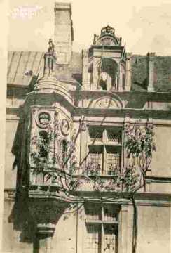 Escalier, lucarne, fenêtre renaissance