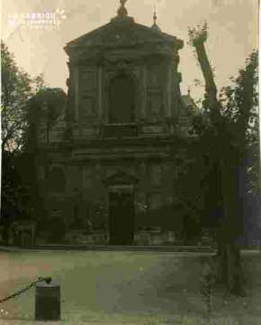 Notre Dame  façade