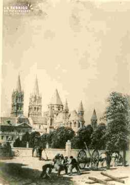 Saint Etienne. Abside et Lycée   BMC
