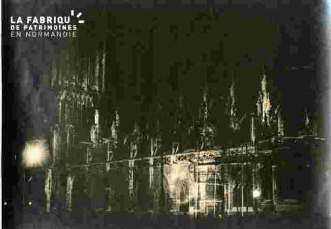 Saint Pierre.Illuminations clocher et nef