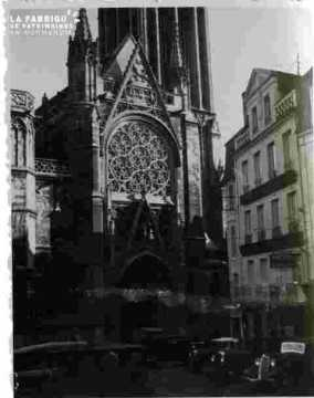 Saint Pierre.Le portail et larosace