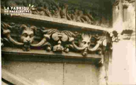Saint Sauveur.frise lions, diable