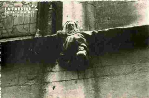 Saint Sauveur.Personnages sculpté extérieurs
