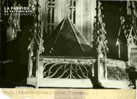 Saint Sauveur.Balustrade et Pinnacles Illumination