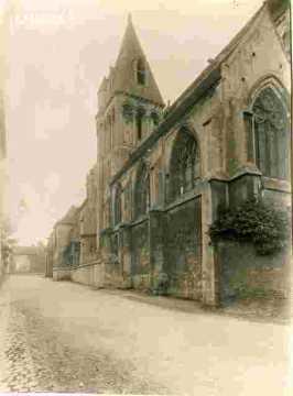 Saint Michel, Vaucelles, nef et clocher