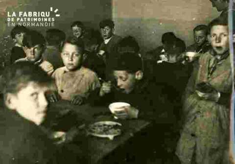 Collation municipale des enfants des écoles