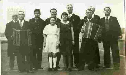 Groupe avec accordéon