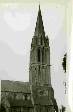 Egllise de Bernières .Porche et clocher