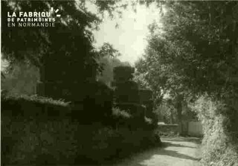 et les ifs classés entourant le cimetière