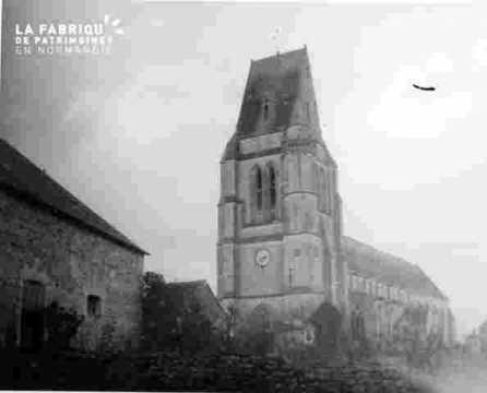 Eglise tour clocher et nef