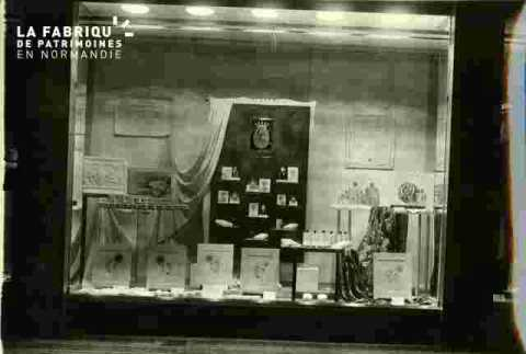 Galeries La Fayette Etalage Produits de beauté